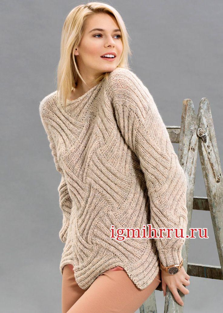 Эффектный бежевый пуловер, связанный в технике энтерлак. Вязание спицами