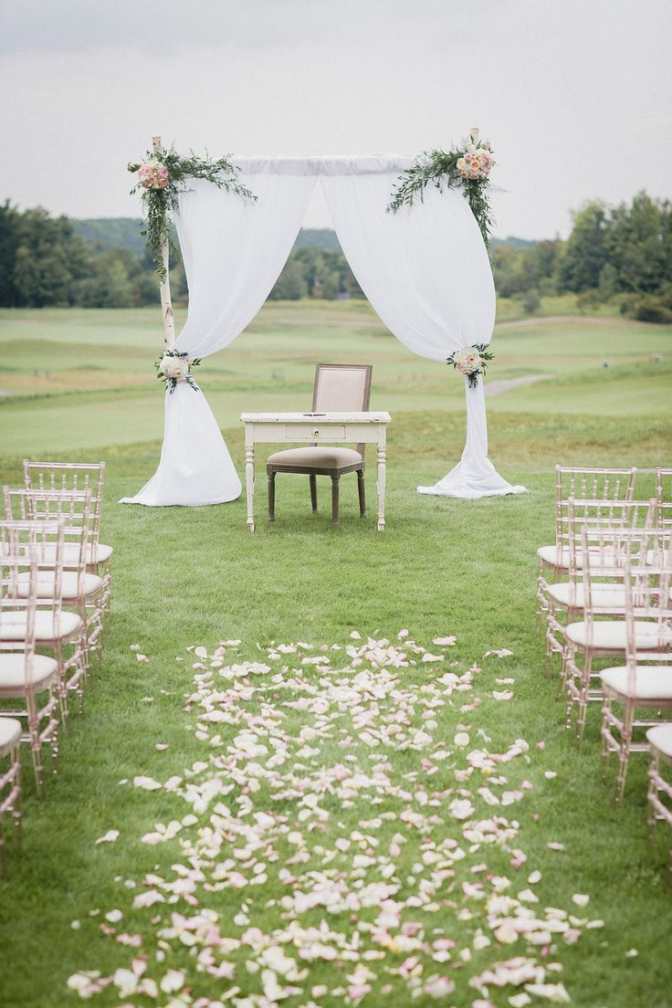 August 2015 | Milton ON | www.kjandco.ca | KJ and Co. planning, coordination and design at Stephanie & Mike's Glencairn Golf Club wedding | Photo by Jenn Kavanagh Photography | As seen on TheBlackTieBride.com | birch tree draped ceremony backdrop with floral accents and signing table front and centre at elegant blush and gold golf club wedding