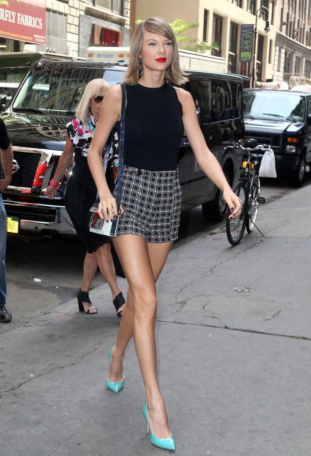 Summer strut = bright, fun, smiles. | Summer Taylor Swift Is Here And Better Than Ever