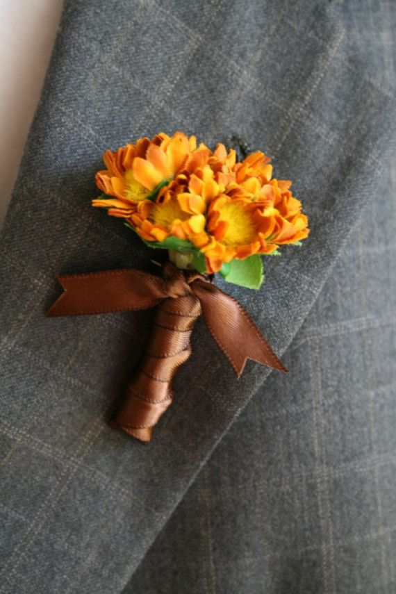 @Michelle Gourley @Stephanie Stone @Stephanie Wilson simple boutonniere, nice touch with the ribbon