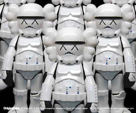 KAWS - Toys Designer 3 - GraphToyz : blog sur les art toys, designer toys et 200 papertoys gratuits