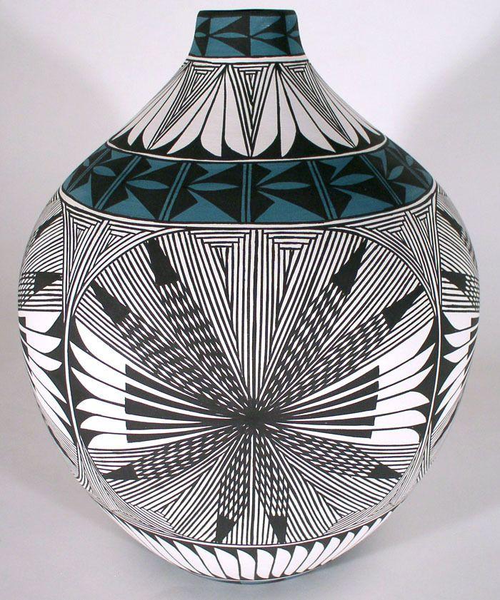 Acoma Pueblo Pottery :: Fine Line by Corrine Chino
