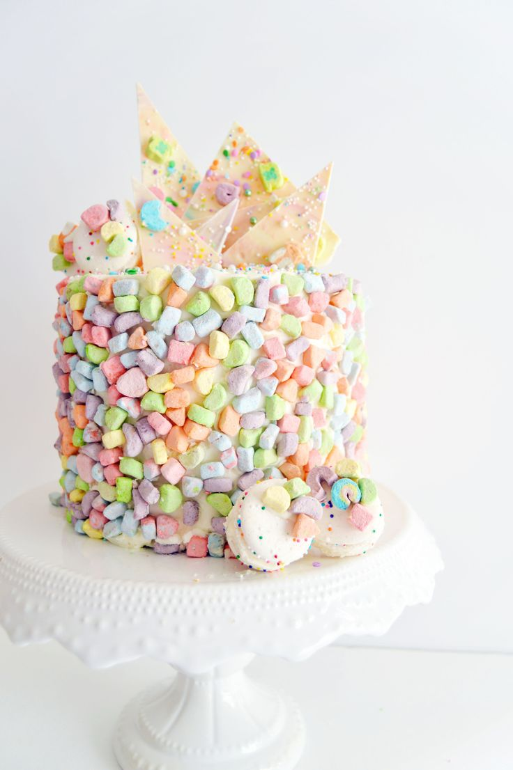 ... lucky charms cake - funfetti buttermilk cake with vanilla swiss meringue buttercream and funfetti macarons ...