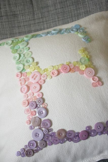 DIY gifts: Personalised Button Cushion