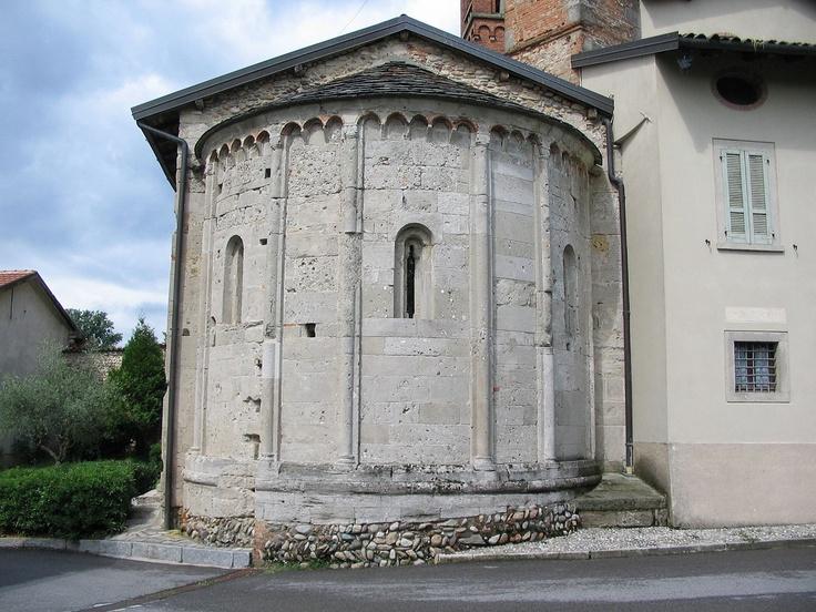 Romanesque apses in the province of Bergamo, Marne.