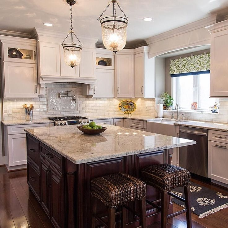 Stunning Kitchen Designs With Two Toned Cabinets: Beautiful Two Tone Kitchen By Karen Spiritoso Home Designs