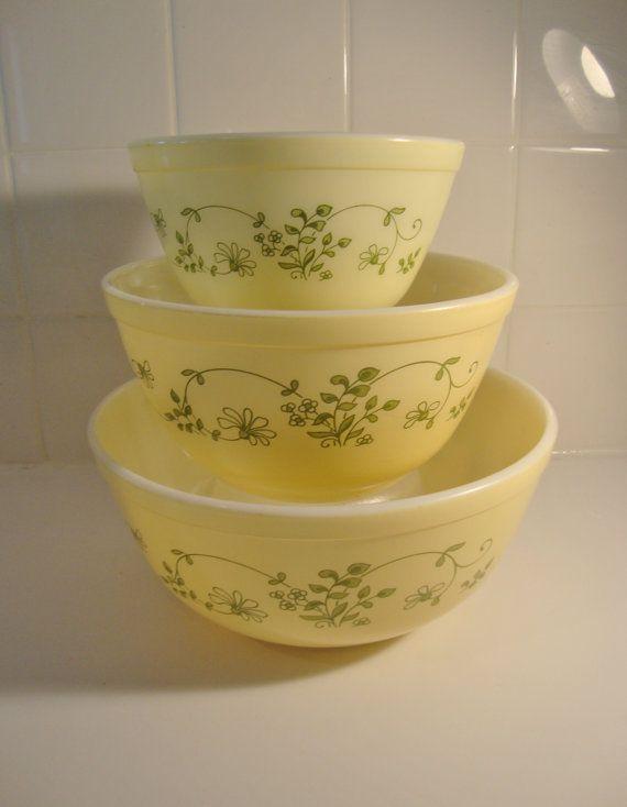 Vintage Yellow Pyrex Nesting Mixing Bowls Shenandoah Set of 3