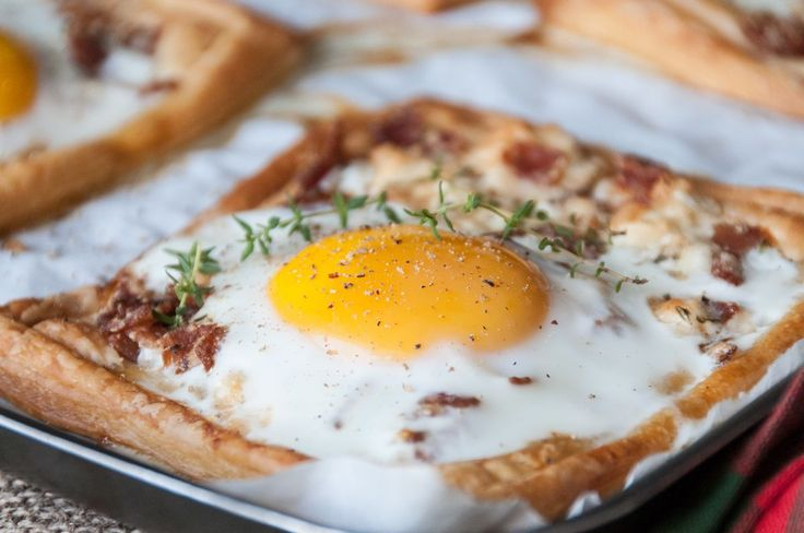 Eggs and Bacon Breakfast Tarts . A perfect way to start off your day!   	Preheat oven to 190* C (374* F) Fan. 	Heat a little oil in a pan, over medium heat. Add the bacon and cook for 5 minutes or until cru...