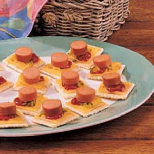 Hot Diggety Dogs. . .Quick idea for a kids snack or for a kiddie party!