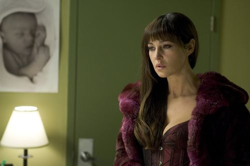 Monica Bellucci dans Shoot 'Em Up de Michael Davis clive owen