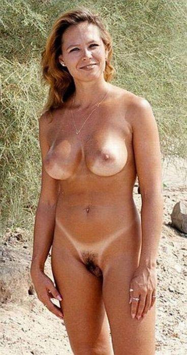 Bikini riot vinson