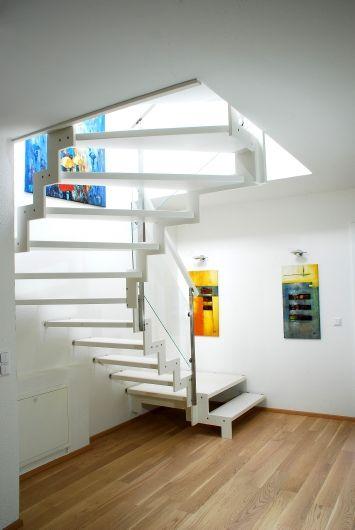 Die besten 25+ Lackierte holztreppe Ideen auf Pinterest gebeizte - holz treppe design atmos studio