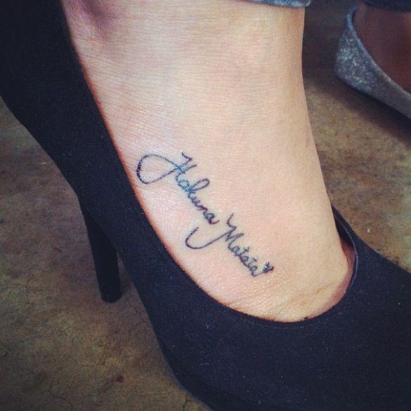 My hakuna matata disney tattoo disney love pinterest hakuna matata tattoo and piercings - Tatouage hakuna matata ...