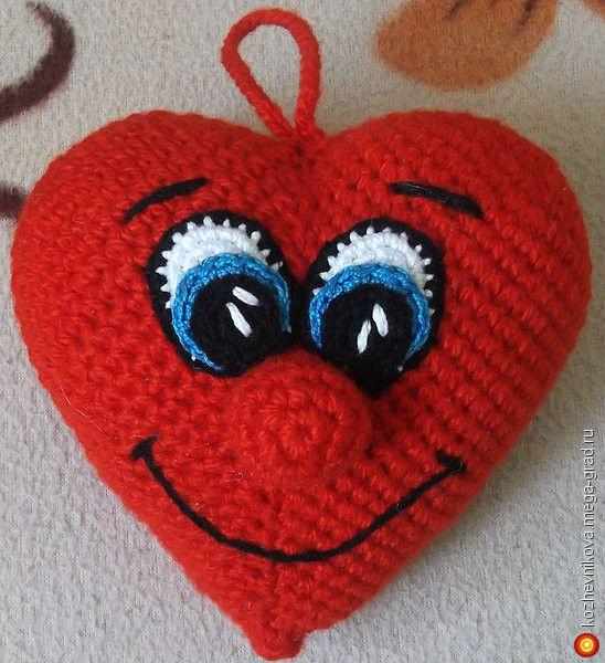 Валентинка Вязаное сердце - вязание и вышивка, плетение, подарок hand made на день влюбленных. МегаГрад - город мастеров и художников