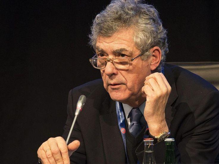 Villar renuncia a su candidatura a la UEFA y se atrinchera en la RFEF
