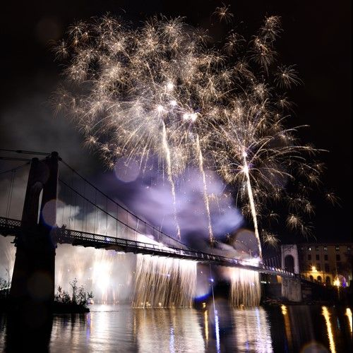 Comment photographier un feu d'artifice ? http://www.nikonpassion.com/comment-photographier-feu-artifice/
