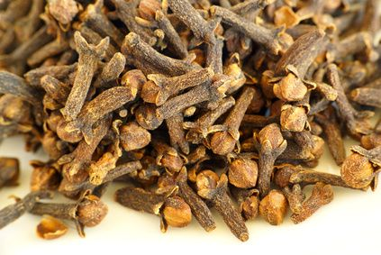 Clove Oil For Toothaches | LIVESTRONG.COM