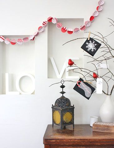 Christmas Craft - Christmas Crafts - Christmas Paper Bauble Garland