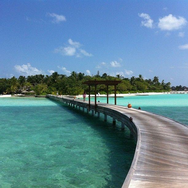 Det är långt till land från min water villa. #maldiverna #jordenruntmedving #ving #vingresor Läs mer om Maldiverna på http://www.ving.se/maldiverna/maldiverna