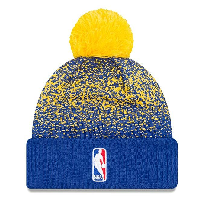 82ee28a0589 Amazon.com  Golden State Warriors New Era On-Court Pom Knit Beanie Hat   Cap   Sports   Outdoors