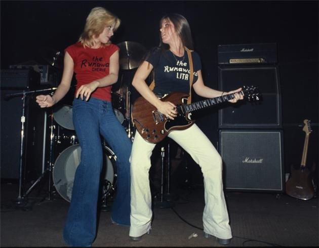 Cherie Currie And Lita Ford The Runaways Hollywood Ca 1977