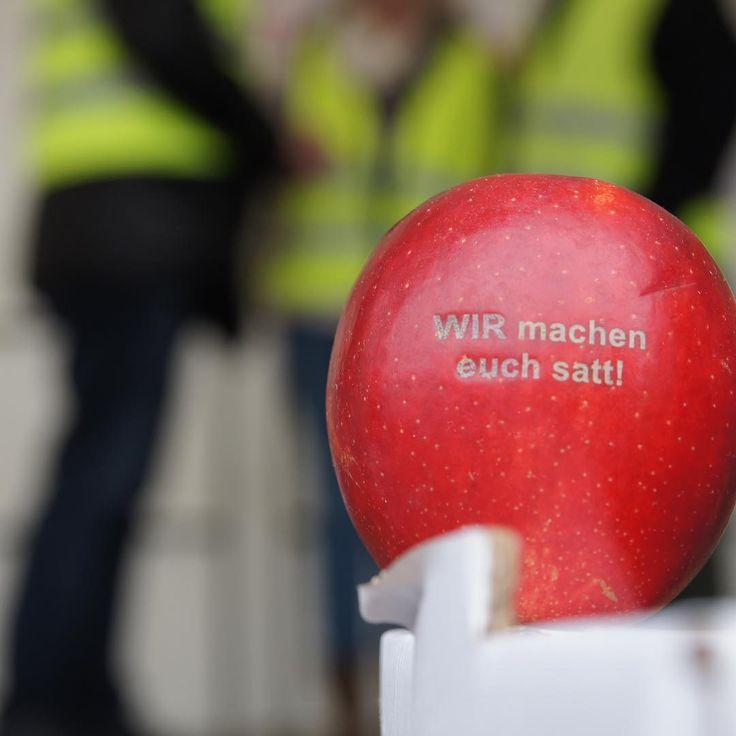 Wir machen Euch satt #wmes #landwirtschaft #fragdenlandwirt Demo heute in Berlin - Danke Bauern!