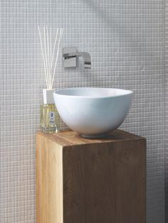badkamer muur witte kleine tegels - Google zoeken