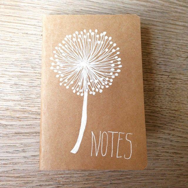 Notitieboekje van HEMA gepimped #HEMA #notitieboekje#draw #drawing#dandelion#paardenbloem#tekening#gelpen#