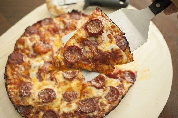 how to make a frozen pizza without a pan