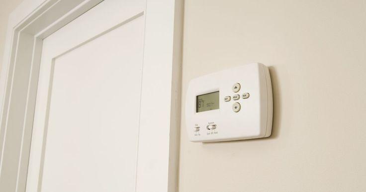 Cómo programar un termostato Johnson A419 . La serie de termostatos Johnson A419 son controladores de temperatura electrónicos con una sencilla pantalla de interfaz de usuario. Estos tipos de termostatos son usados para ajustar la temperatura nominal en unidades como refrigeradores y enfriadores de bebidas. Debido a que el Johnson A419 es compacto y ofrece una pantalla digital, es más fácil ...