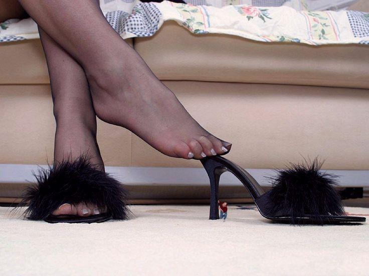 Short toes crush fetish her