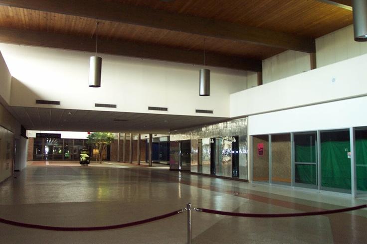 Fort Wayne Mall >> Southtown Mall(Fort Wayne, IN) | Dead Malls | Pinterest ...