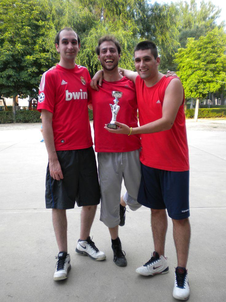 """Torneo de Baloncesto 3 x 3. Equipo """"Los Talentos"""", segundo clasificado, categoría mayores de 17 años."""