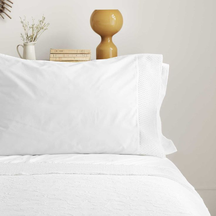 Pearl is made of 100% Egyptian Cotton, 300TC per sq inch and is machine washable.