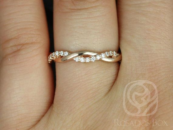 This simple yet interesting design is versatile for all occasions! The gorgeous delicate weaving and movement gives the ring just enough interest!