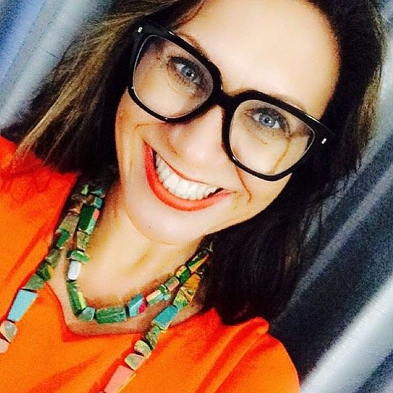 RO AMBASSADOR // Gorgeous brand ambassador @dranitaheiss looking fab in our South Pacific Long Artisan Necklace! #rubyolive #roambassador