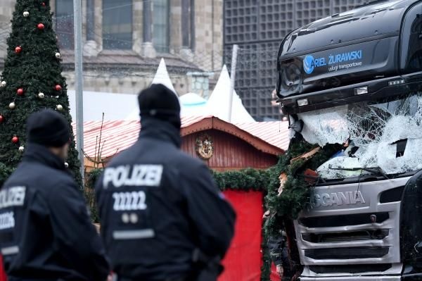 Andrew V. Pestano BERLIN, Dec. 21 (UPI) -- German police are conducting a manhunt for a Tunisian man who is the alleged suspect behind the…