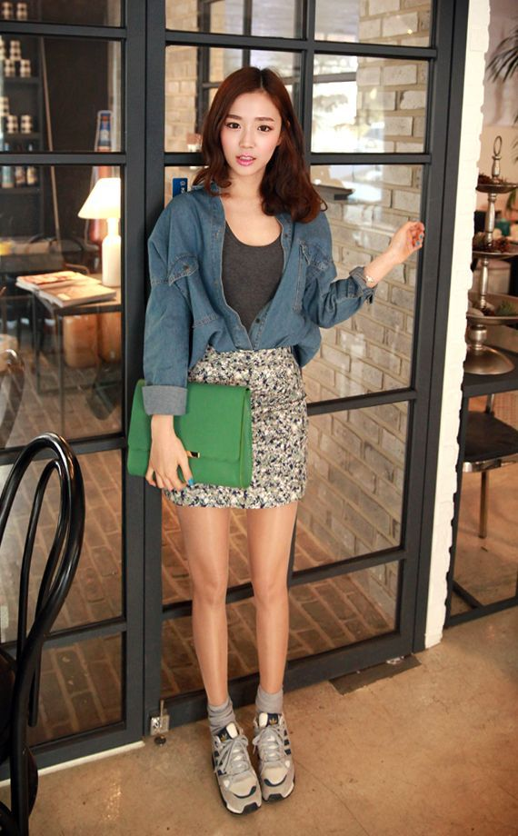 spring famous flora skirt with sneaker~