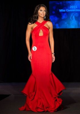 Miss Connecticut USA 2015: HIT or MISS? http://thepageantplanet.com/miss-connecticut-usa-2015-evening-gown/