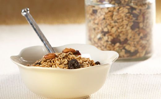 Breakfast: Crunchy Apple Pie Granola (230 calories/serving) serve with a dollop of Greek yogurt