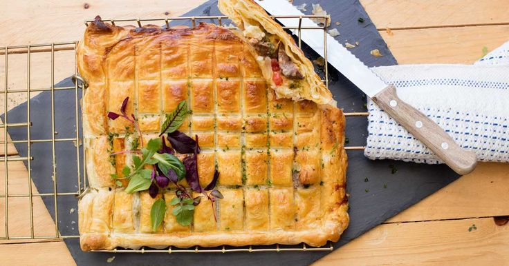 Gourmet meets quick & easy in this braai pie recipe. Filled with boerewors and Rhodes Tomato Relish - it's a guaranteed fireside winner.