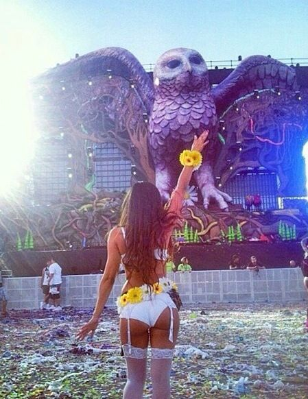 Raver Girl/ butt goals tbh