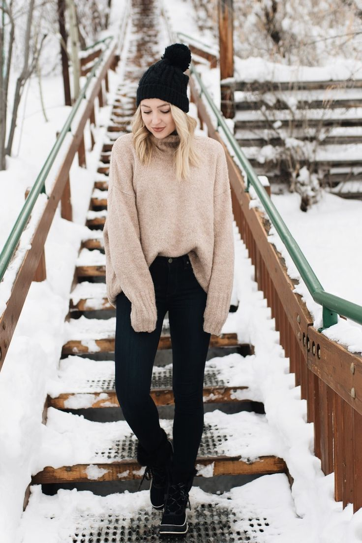 Outfit idea for the snow / how to style snow boots | Love, Lenore