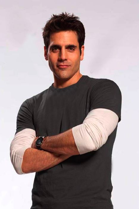 Ben Bass aka Sam swarek rookie blue ! Great actor