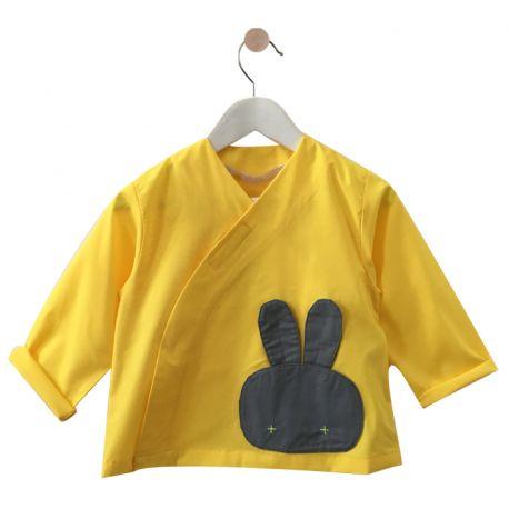 La blouse école mixte est le  tablier le plus tendance de part le choix des couleurs : violet, jaune ou bordeaux.