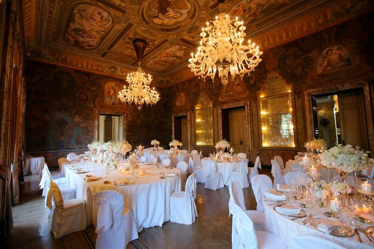 My heart still flutters when I see such a beauty.  A stunning reception room for a really elegant and refined wedding in Villa Erba, on the shores of Lake Como. A dream...  #destinationwedding #destinationweddings #destinationweddingplanner #elenarenzi #myjob #mypassion #luxury #luxurywedding #luxuryevent #luxuryvenue #luxuryvilla #villaerba #cernobbio #lakecomo #italy #topdestinationsinitaly #candles #flowers #palepink #elegance #beauty #refinement #dinner #love #happiness #beautifulcouple