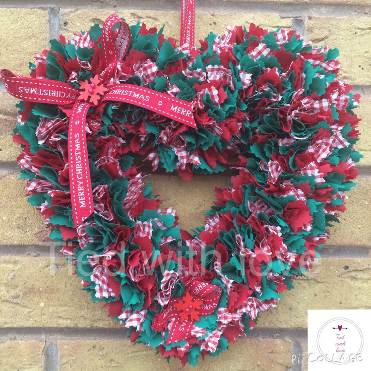 Red gingham christmas wreath from www.facebook.com/tiedwithlovewreaths #htlmp #handmadeuk @htlmp