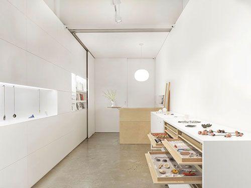 Gallery FUNAKI-Melbourne, AUSTRALIA Management: Katie Scott website: www.galleryfunaki.com.au mail: gallery@galleryfunaki.com.au