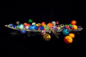 デイル・チフーリ《トヤマ・フロート・ボート》 富山ガラスの美術館