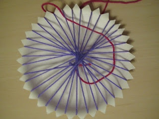 Paper plate weaving project